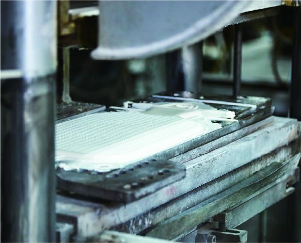 自社工場にて機械製造
